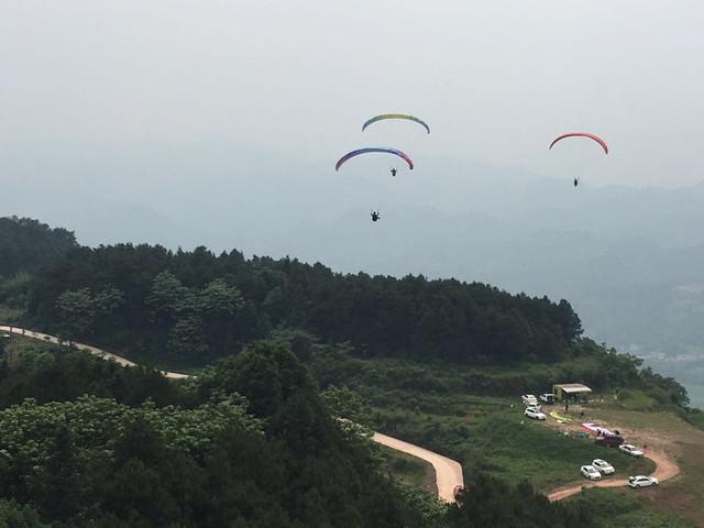 <重庆南山南滑翔伞体验-南山南滑翔伞基地俱乐部>【赠送全程专业视频摄像】