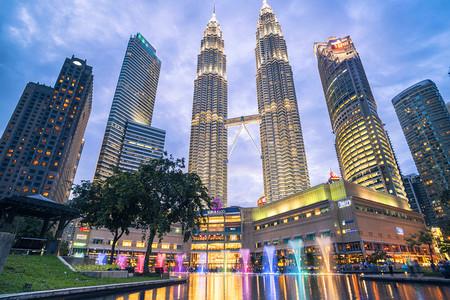 <新加坡-马来西亚4晚5日游>电子签/无附加费/含导服/保证拼房,AB线五星国泰不走回头路/升两晚泳池酒店,C线深航正点航班/全国联运,圣淘沙