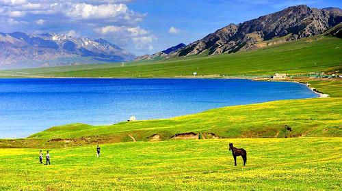 喀纳斯-五彩滩-乌尔禾魔鬼城-赛里木湖-巴音布鲁克-天鹅湖-吐鲁番双飞10日游