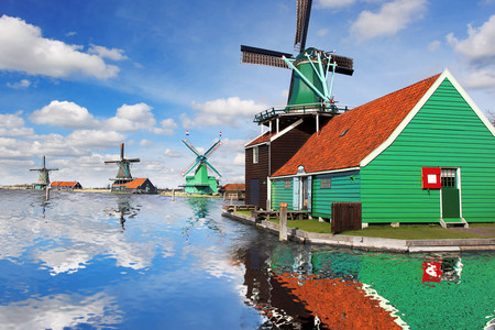 [圣诞]<欧洲-荷兰+比利时10日游>四五星酒店,直飞往返,生蚝海鲜,米其林,修道院餐厅,徜徉风车村,荷兰国立博物馆,羊角村游船