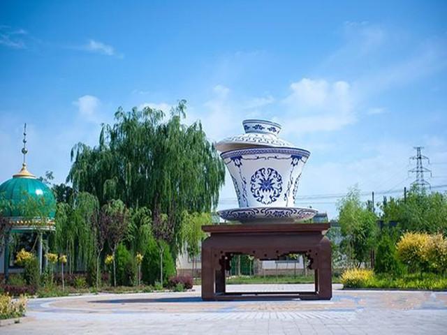银川-西夏王陵-通湖草原-沙坡头-东塔民俗村-阅海