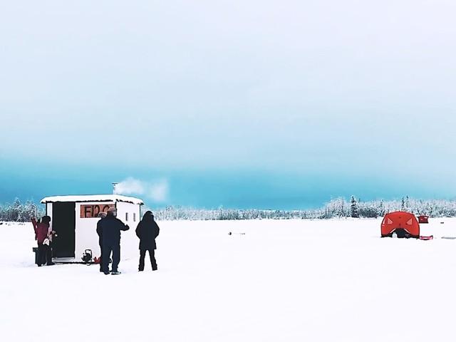 极光自由家-湖上木屋冰钓烧烤之旅