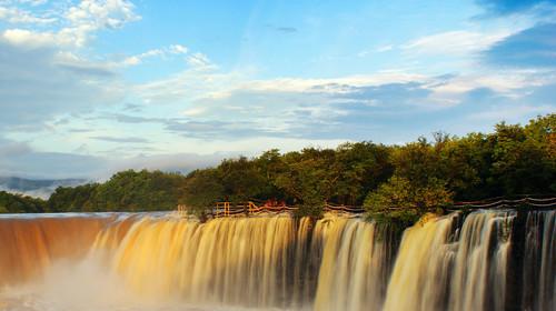 黑龙江省牡丹江镜泊湖瀑布