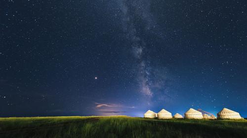 内蒙古草原银河之夜
