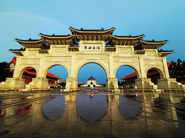 <台北故宫博物院电子门票>附赠嘉义故宫门票,一网打尽南北两院、欣赏典藏的近70万件中华文