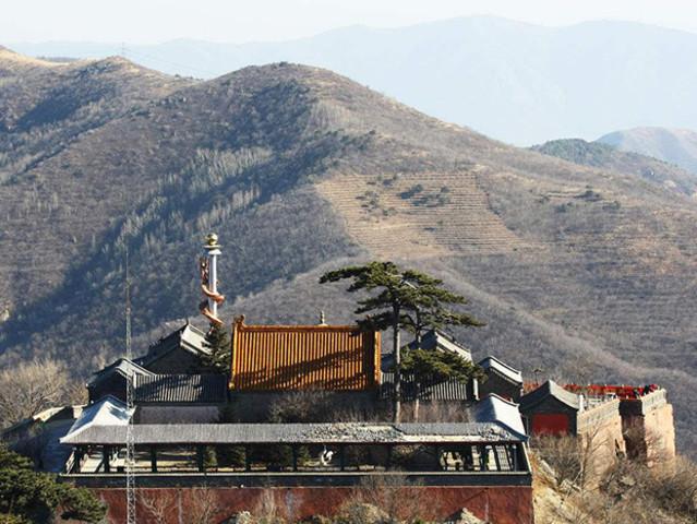 <北京门头沟区妙峰山1日自驾导航路线>是京郊一处集宗教朝圣、民俗采风、亲近自然、康体休闲、花果观光、山地度假、消夏避暑为一体的胜游胜