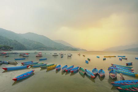 <尼泊爾加德滿都+奇特旺+博卡拉+納加闊特10日游>大連起止 0購物 一天自由活動 拜釋迦摩尼 奇旺國家森林公園 觀喜馬拉雅山日出