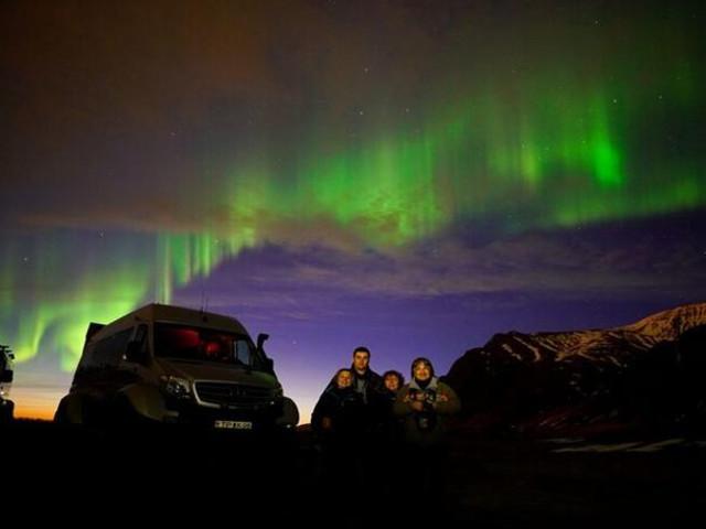 <冰岛 雷克雅未克 超级吉普追寻北极光的秘密之旅(含接送)>