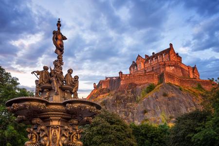 [春节]<欧洲英国9-10日游>英格兰/苏格兰/北爱尔兰三岛,入内大英铁路博物馆,大英博物馆,伦敦半天自由活动,爱丁堡,贝尔法斯特,伯明翰