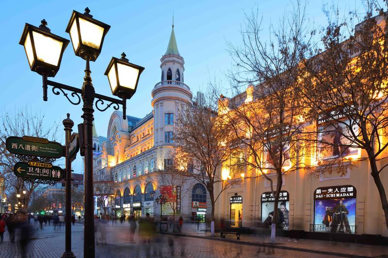 欧式街道傍晚风景图片