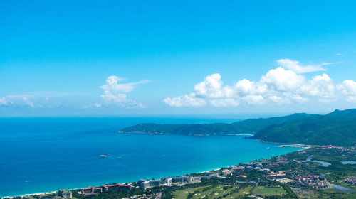 Summer Yalong Bay tourists peak overlooking the coastal scenery
