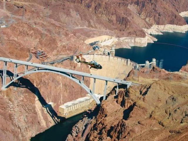 <大峡谷西缘直升机游+玻璃桥快速通道票(拉斯维加斯出发)>