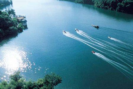 <千岛湖中心湖区梅峰岛1日游>纯玩5个精华岛  门船票已含 登梅峰岛之巅  主城区酒店可免费接