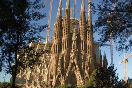 <西班牙-葡萄牙两国6晚7天游>瓦伦西亚/马德里王宫/哥伦布广场/格拉纳达/贝伦塔/神圣家教堂/太阳门广场 巴塞罗那集散(当地游)