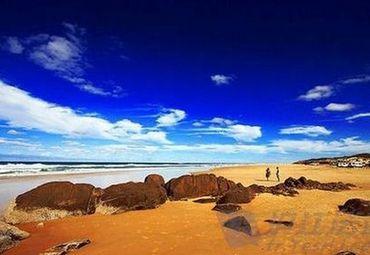 还有余位, 所有人 白沙湾海滨浴场 海鲜自助午餐 亚特兰蒂斯海乐园夜场 一日游160元 人 8月11日发团图片