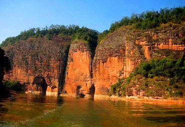 赤壁丹崖图片