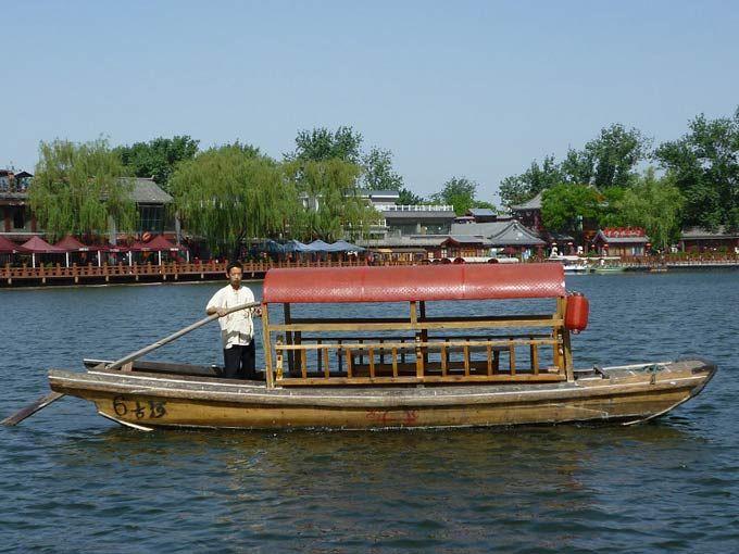 北京什刹海漕运观光船