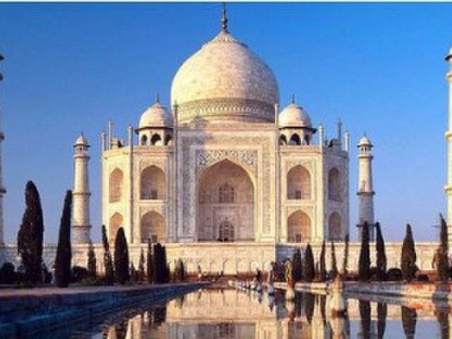 是一件集伊斯兰和印度建筑艺术于一体的古代经典,每时每刻都有着不一图片