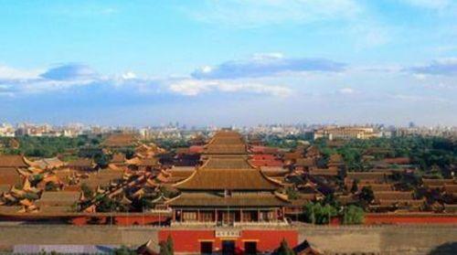 北京-故宫-天坛-长陵-八达岭-颐跟   园4日游