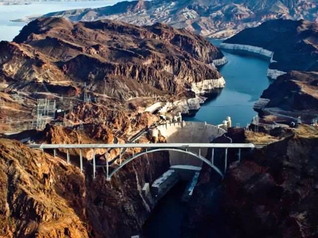 <拉斯维加斯-大峡谷-羚羊峡谷当地6日游>拉斯维加斯上车或接机/洛杉矶送机
