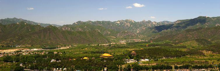 十三陵风水�_明十三陵坐落于天寿山麓,总面积一百二十余平方公里,距离北京约五十