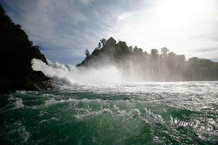 最宽的瀑布_世界上最宽的瀑布,伊瓜苏瀑布 4000米宽