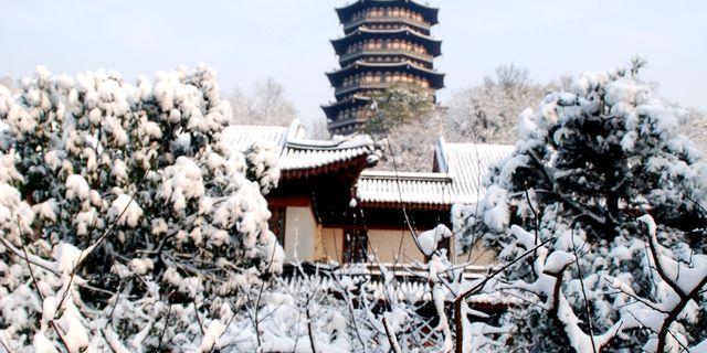 雷峰塔风景图片