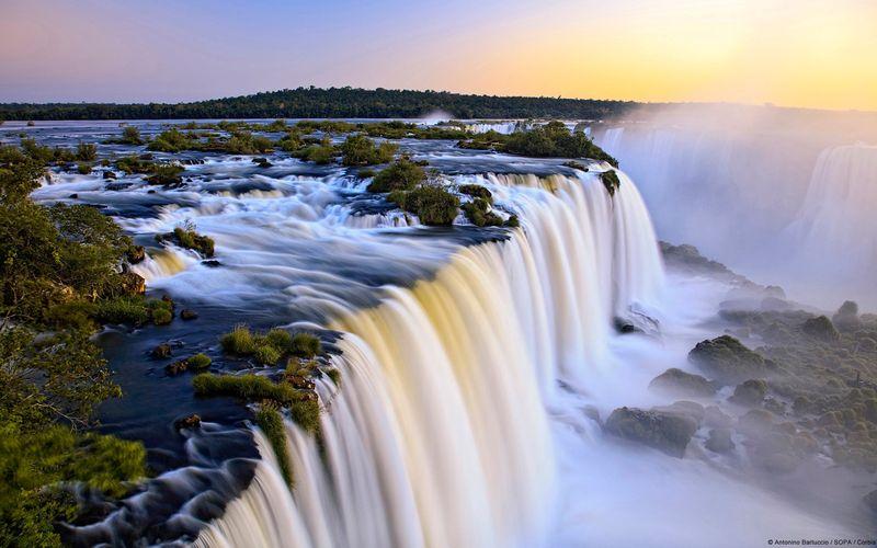 非常壮观的伊瓜苏大瀑布。 - ★  牧笛  ★ - ☆☆【牧笛视觉藝術】☆☆