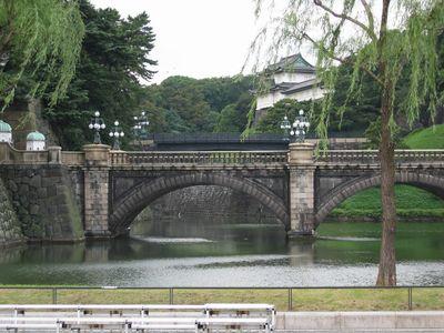 皇居小桥垂柳