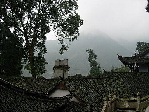 鹤鸣山旅游