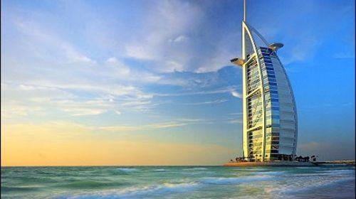 [国庆]<迪拜-阿布扎比6日游>去程A380,1晚JW,1晚帆船,1晚皇宫,1晚斯布尔宫,享678早餐,豪车游,皇后游船,阿联酋航空香港直飞