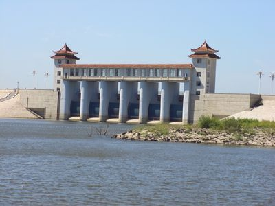 二龙湖 附近旅游景点