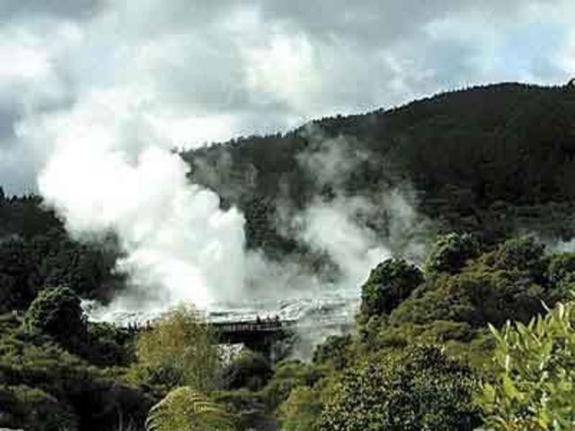 <新西兰北岛中土5日当地游>陶波湖,霍比特人村庄,爱歌顿牧场迷你游,波利尼西亚温泉,米泰毛利文化村夜间活动,罗托鲁瓦缆车(当地参团)