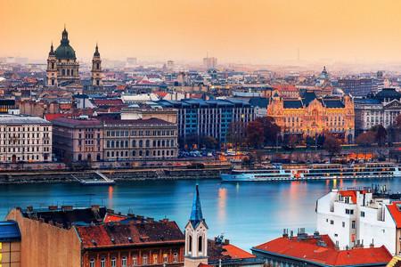 <東歐6國9天8晚循環游>巴黎進 法蘭克福出  蘭斯 盧森堡 鐵力士雪山 布拉格維也納(當地游)