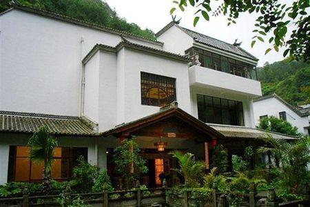 【腾冲美女池酒店】地址:腾冲县清水乡热海景区内