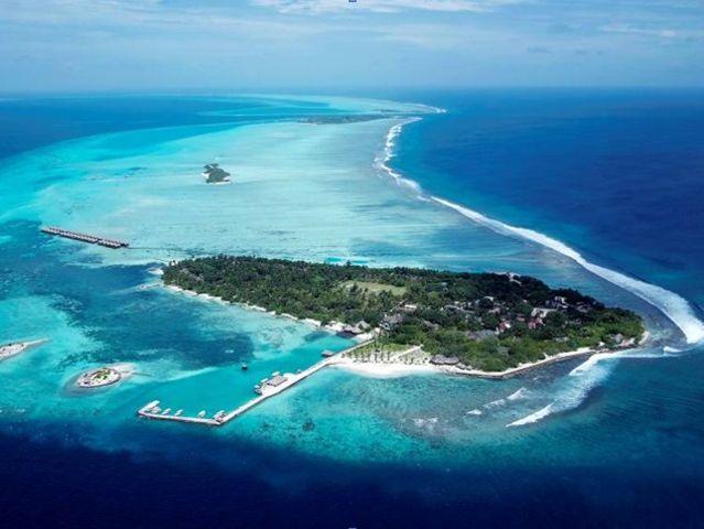 <马尔代夫白金岛AdaraanHudhuranfushi4晚单酒店>独立水上屋 酒店活动丰富,岛屿面积大