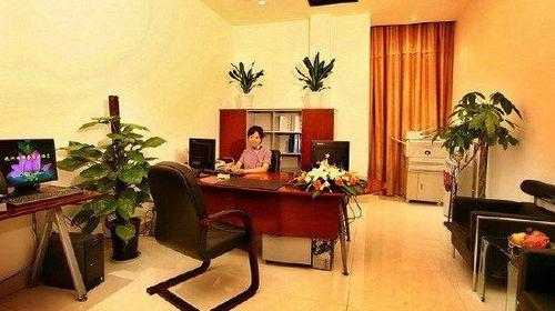 住杭州西湖慢享主题酒店 原金座大酒店 ,地处繁华商业金融中心,近