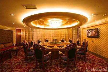 酒店采用欧式风格装修,豪华,舒适,温馨,集客房,餐饮,茶坊,ktv,康乐