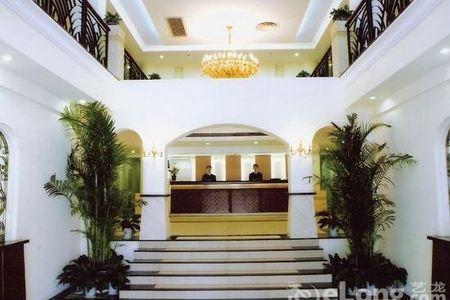 雅舍宾馆提供超值的贴心服务与欧式精致住房享受,紧邻上海
