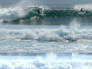 巴厘岛冲浪