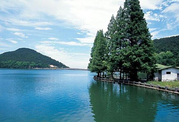 *天:庐山 庐山位于江西省九江市,是国家5a级旅游景区,首批全国文明