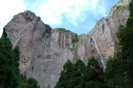 <雁蕩山2日游>神奇山水傳奇溫州奇峰怪石飛瀑流泉的雁蕩山中國山水詩的故鄉
