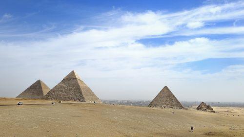 埃及-迪拜10日游>参观世界七大奇迹之一的金字塔群图片