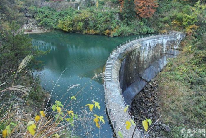 壁纸 风景 旅游 瀑布 山水 桌面 699_467