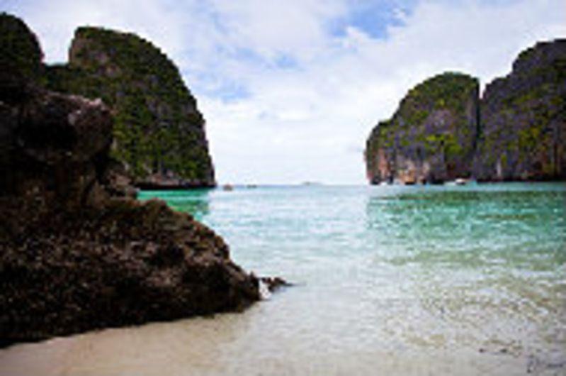 想要去普吉岛旅游,最好选择十月去,看完了10月普吉岛旅游攻略,相信