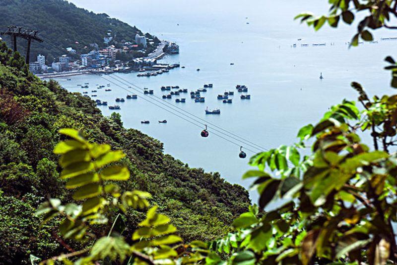 岘港景点之山茶半岛山茶半岛是岘港非常著名的旅游景点,这个景点的