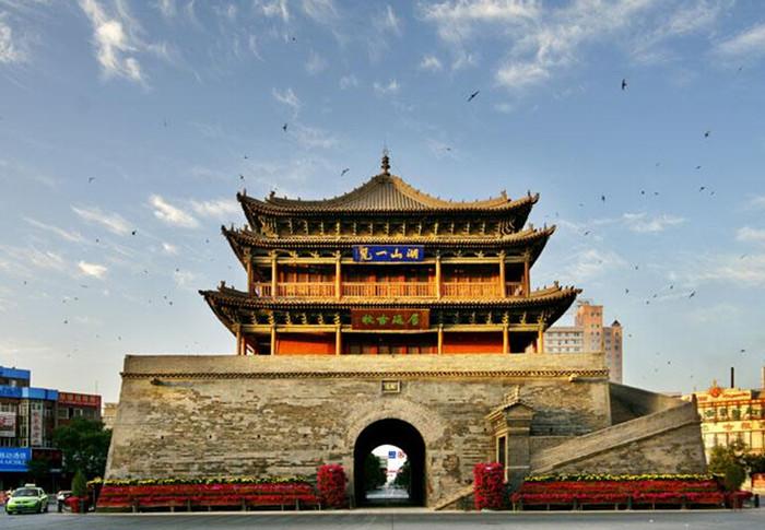 塔尔寺 张掖位于甘肃省河西走廊中段的张掖市,走进张掖市第一