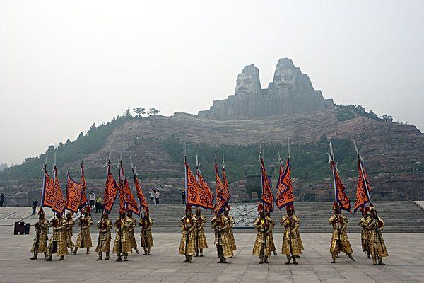 郑州哪里好玩_郑州旅游景点推荐_郑州旅游去哪里