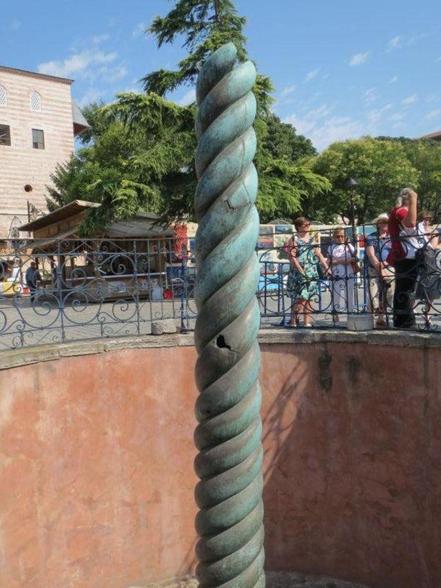 手工绳编蛇柱饰物