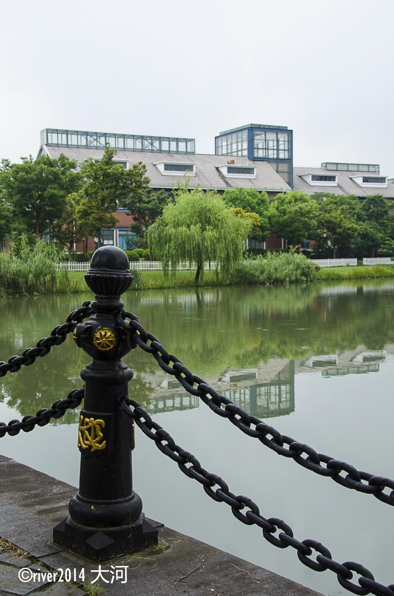 两日一穿越上海,夜游古今中外。图案时尚v图案素材网图片
